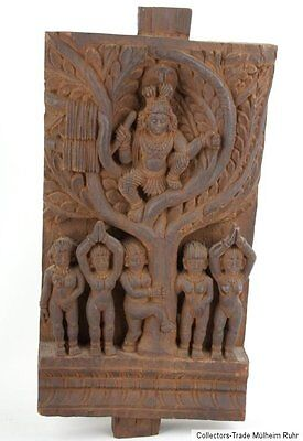 Südindien 20. Jh. A Carved Wood Chariot Panel South India 'Krishna & Gopis'