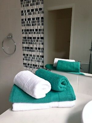SET OF 6pcs Luxurious Bath towels 600 GSM White, Bottle Green Towels