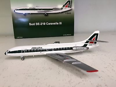 SE 210 CARAVELLE ALITALIA I-DAXO Ref: ARD2019 with a stand aie-cast in 1/200