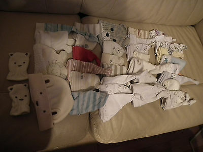 Baby Boy or Girl clothes, 33 hats + 1 pair of gloves, 0-6 months, 34 items (53)