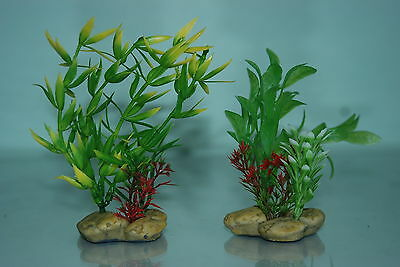 Aquarium Plants x 2 Pebble base 5cm Base & 10 cms High Green Colour
