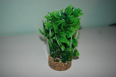 Aquarium Green Plant Cluster Including Sandstone Base & Airstone 6  x 16.5 cms