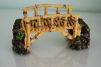 Aquarium Detailed Bamboo Bridge Approx 17 x 6 x 9 cms Suitable For All Aquariums