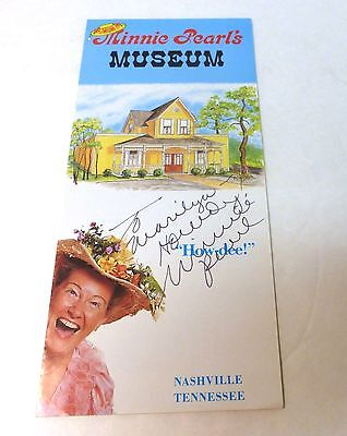 Country Music- Minnie Pearl Authentic signed Autograph on Museum Brochure