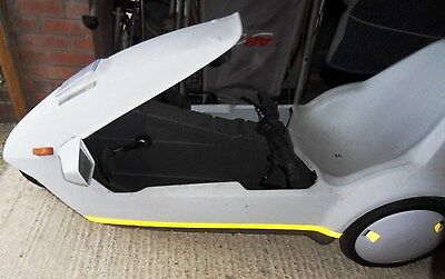 Sinclair C5 with many extras - horn, indicators, cooling fan & wing mirrors