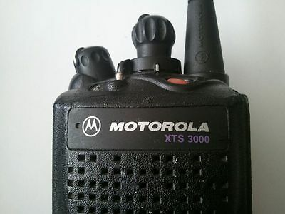 Motorola Astro XTS3000 Model I Radio H09UCC9PW5BN WITH BATTERY, MIC AND ANTENNA