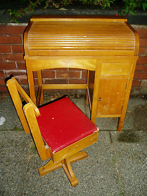 A Rare 1950/60s Vintage Mid Century Childs Wooden Tambour Roll Top Desk & Chair