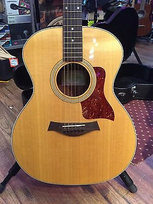 Taylor 214c Acoustic Guitar concert size with hardshell case