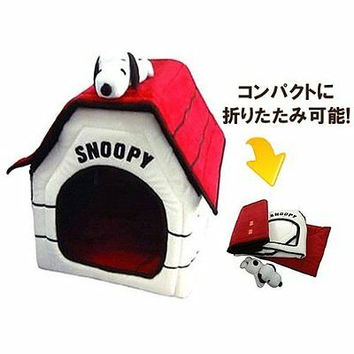Peanuts Snoopy Dog House for indoor Portable Foldable Bed with Snoopy stuffed.