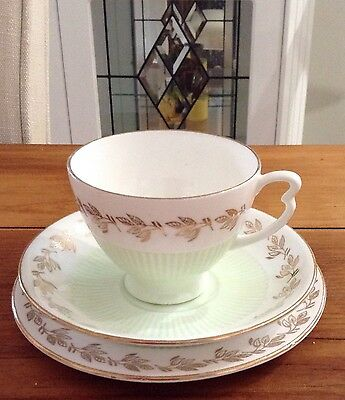 Vintage COLCLOUGH Mint Green And Gold Leafy Trio