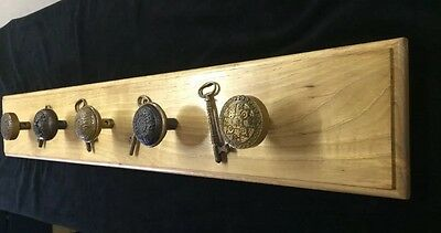 Mounted Antique Victorian Door Knobs Skeleton Keys Clothing Hook Rack Display