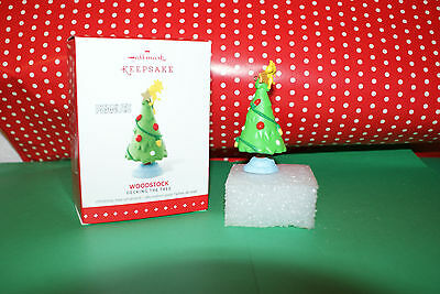"""Woodstock """"Decking the Tree"""" by Hallmark The Peanuts Gang Ornament 2015"""