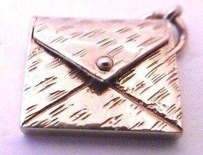 Vintage   ENVELOPE    opens 9ct yellow gold  solid charm  3.1g