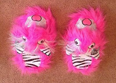 Girls Justice Monster Slippers Size 4 / 5 Faux Fur Pink Sequins Glitter Exc!!!