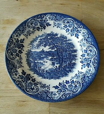 Churchill Blue and white 'The English Scene' plate