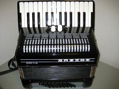 Hohner Amica 48  Accordion