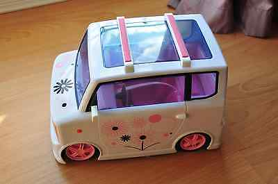 Moxie Girlz Art-titude car, almost not used in like a new condition