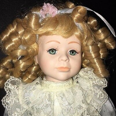 """Seymour Mann 1992 Connoisseur Collection 17"""" Porcelain Doll """"Mary Beth"""" SPRING"""