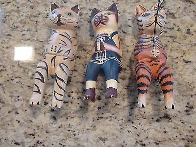 Sitting Kittens Folk Art Hand Made & Painted Lightweight (Set of 3) GUC