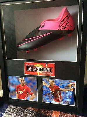 IMBRAHIMOVIC  MANCHESTER UNITED Signed BOOT BOXED FRAMED AFTAL 61