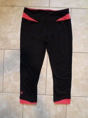 Under Armour Heat Gear Black & Red Polyester Capri Yoga Pants. Size Women's XS
