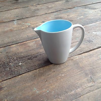 Poole Pottery Twintone C57 Seagull jug, approx 1 pint