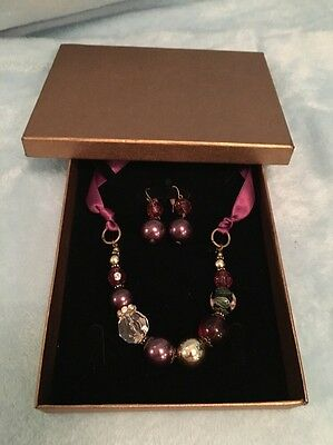 A Beautiful Set Of Jewellery Necklace And Earing