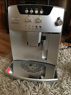 Superb Silver Delonghi Magnifica Bean To Cup Coffee Machine