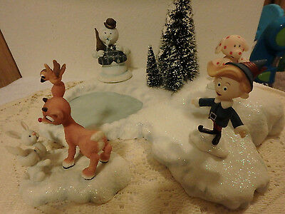 Rudolph & the Island of Misfit Toys - 3 Figurines & Pond - Enesco 2001