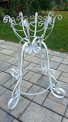 VINTAGE SCROLLED CHIPPY Wrought Iron Scrolled LARGE POT HOLDER Plant Stand