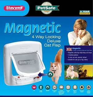 400 Series Magnetic Cat Flap in White or Brown