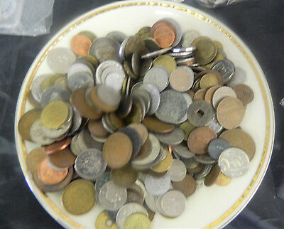 4+ Pounds Foreign World Coin Lot -  Assorted Dates & Countries CT2 11/28