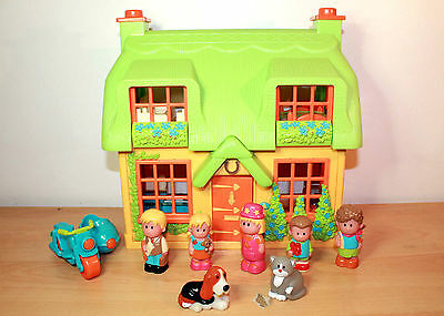 ELC HappyLand House, Figures and Toy Box