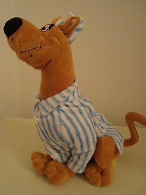 Scooby Doo plush soft toy wearing nightshirt & cap, excellent & clean condition