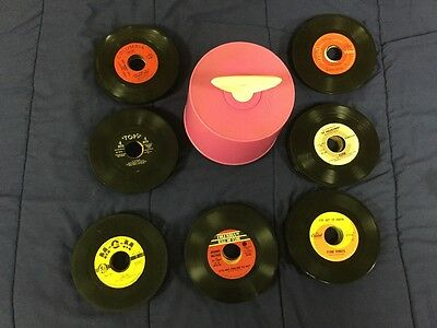 VINTAGE Hot Pink 45 RPM DISK GO CARRYING CASE RECORD CASE/ includes 135 RECORDS