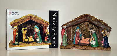 CHRISTMAS NATIVITY SCENE Wooden Stable With 6 Porcelaine Figures