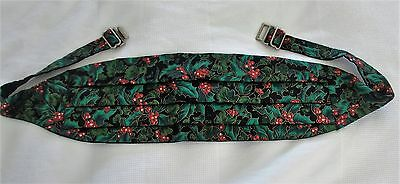 MEN'S CUMMERBUND - CHRISTMAS HOLIDAY STYLE - HOLLY AND BERRY by BRITE TIES