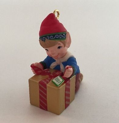 2001 Ready For Delivery Hallmark Ornament Elf Present