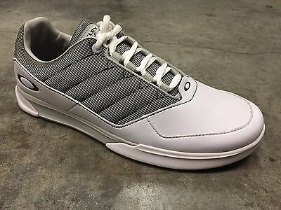 New White/Grey Oakley Sector Golf Shoes - Size 7