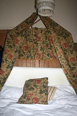 Vintage bedroom screen and bed canopy