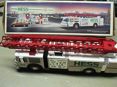 Hess   Toy  Fire  Truck 1989  Nm