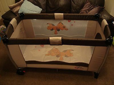 Tectake Travel Cot with removable raised level for babies