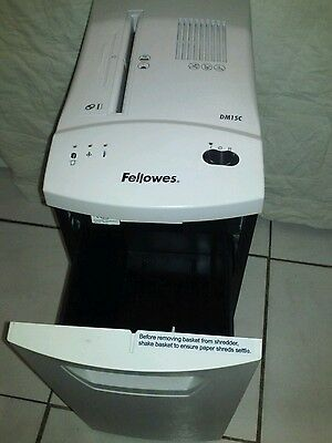 FELLOWES POWERSHRED Shredder  Capacity 10 Gal DM15C/TESTED AND WORKING