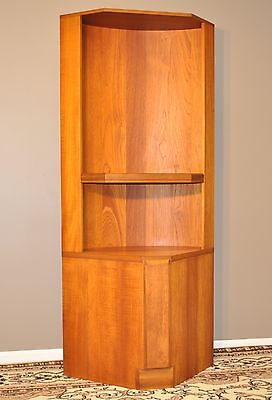 MID CENTURY DESIGN TALL 1970/80's TEAK BOOKCASE DISPLAY CABINET CORNER WALL UNIT