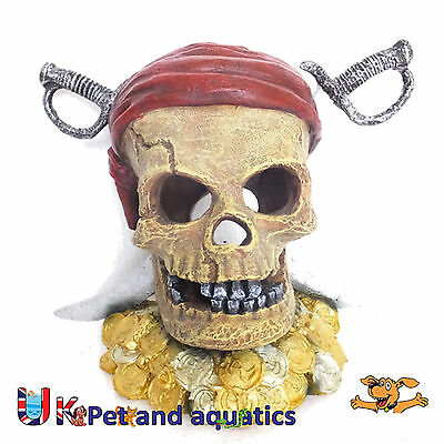 Aquarium Pirate Skull & Swords Fish Tank Ornament