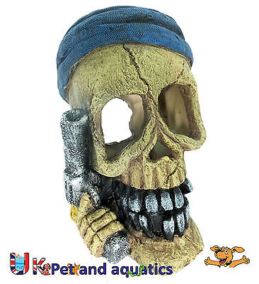 Aquarium Pirate Skull & Gun Fish Tank Ornament