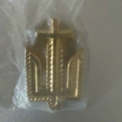New Small Stylized Gold Tone Cross Lapel or Hat Pin