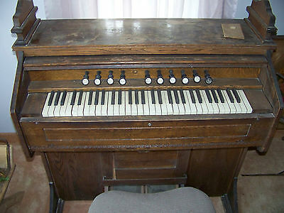 Antique Estey Organ  1919