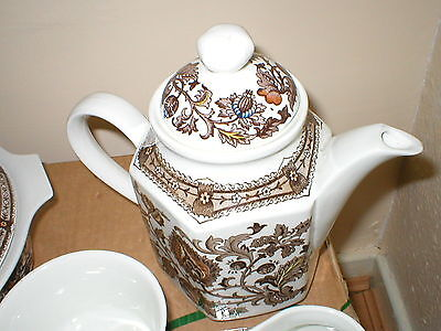 Ridgway Ironstone Jacobean Brown Teapot with lid