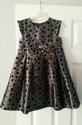 Beautiful grey Christmas party dress with black polka dots age 4-5
